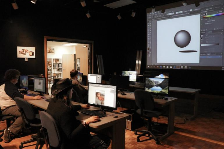 Students utilizing GSC's Applied Learning Art and Design Computer Lab